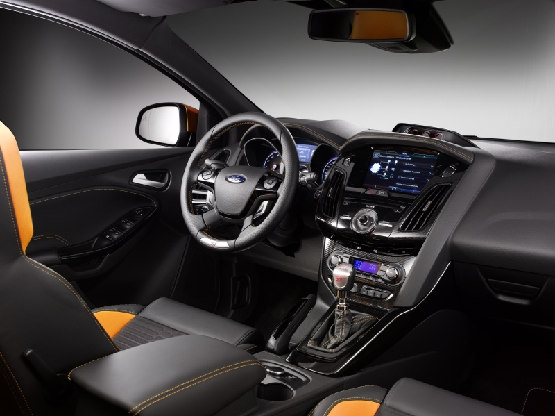 Ford Focus ST 2012_3